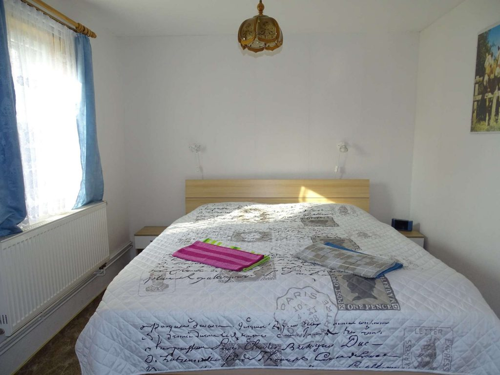 FeWo 1: Schlafzimmer - Doppelbett