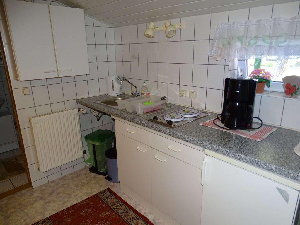 FeWo 1: Küchenzeile