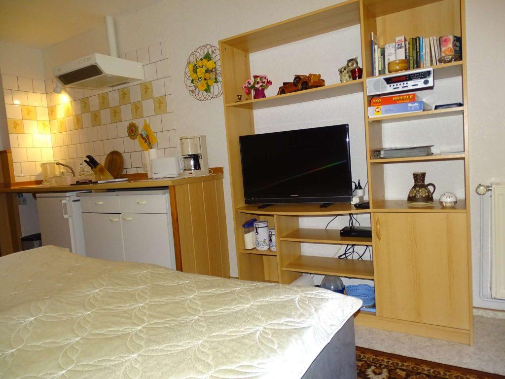 Küchenzeile und Wohnwand